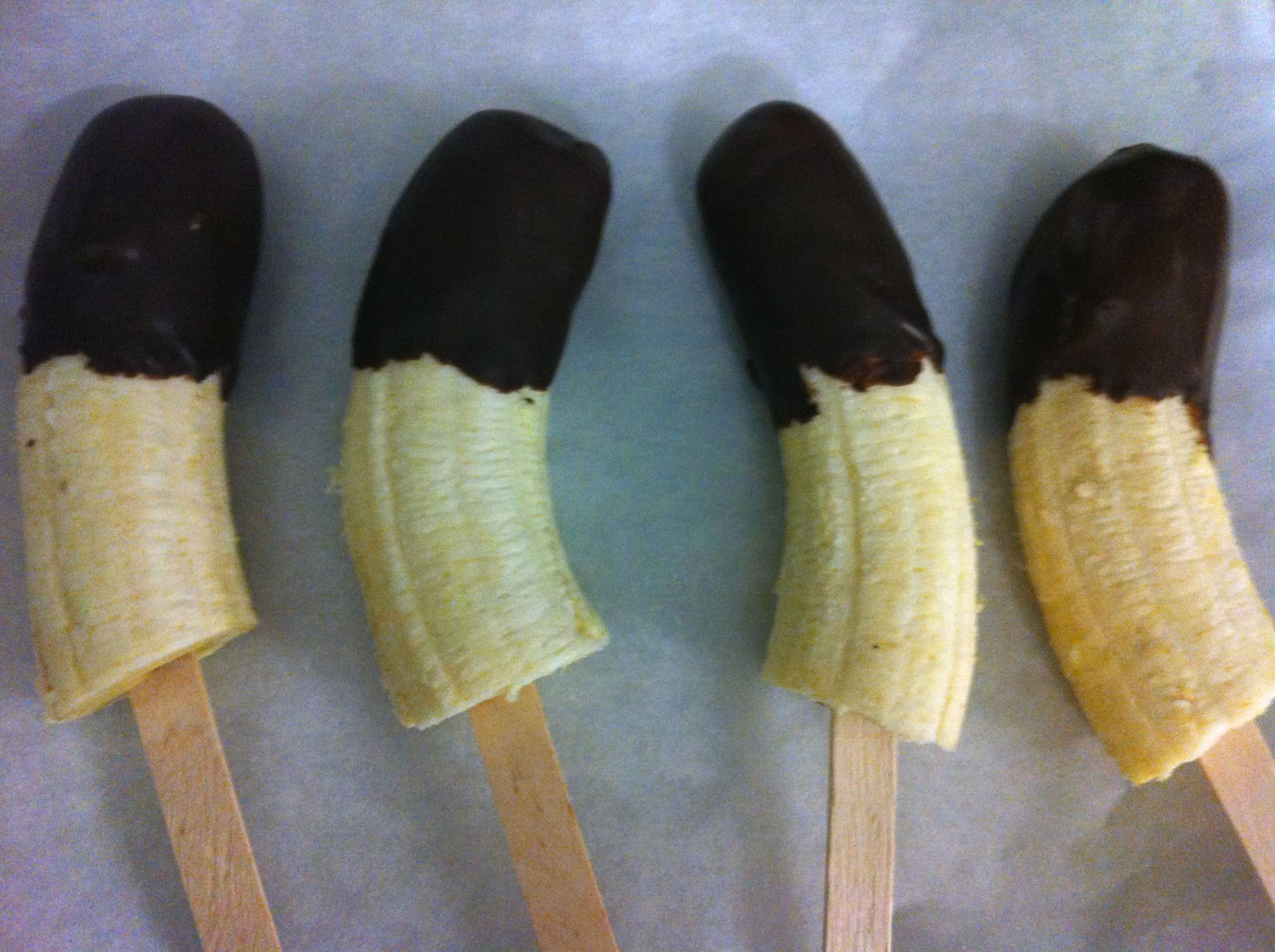 "... Healthy Lifestyle: Frozen chocolate ""Choc-Top"" banana on a stick"