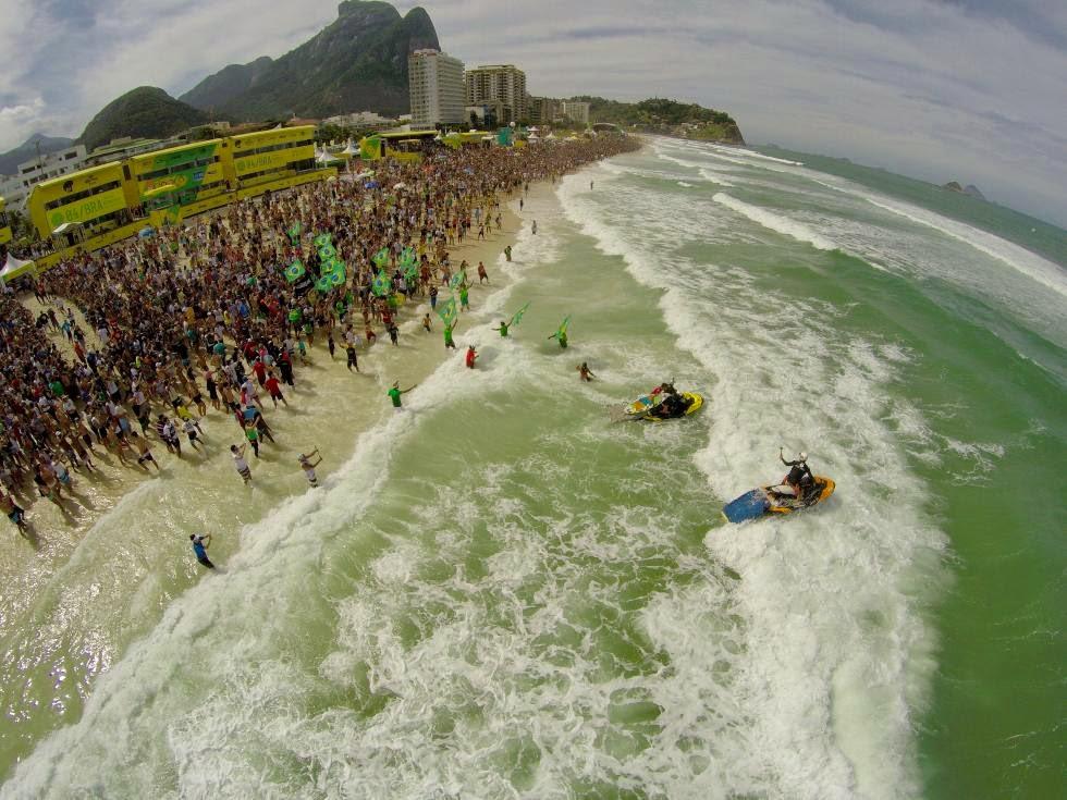 9 Crowd Oi Rio Pro WSL  Kelly Cestari