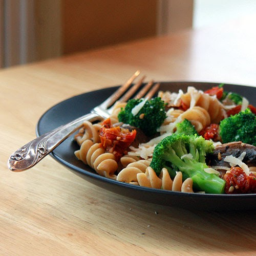 photo Pasta with Broccoli and Anchovy Sauce Recipe