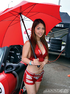 Asian-Umbrella-Girls