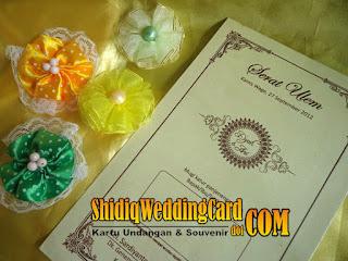 http://www.shidiqweddingcard.com/2016/01/paket-undangan-dan-souvenir-7.html