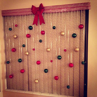 http://postgradcrafting.blogspot.com/2013/09/christmas-bulb-window.html