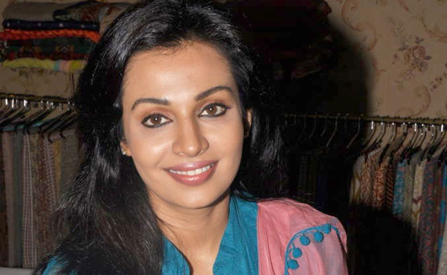 Asha Saini in Punjabi suit1 - Asha Saini Latest Pics in Punjabi Suit