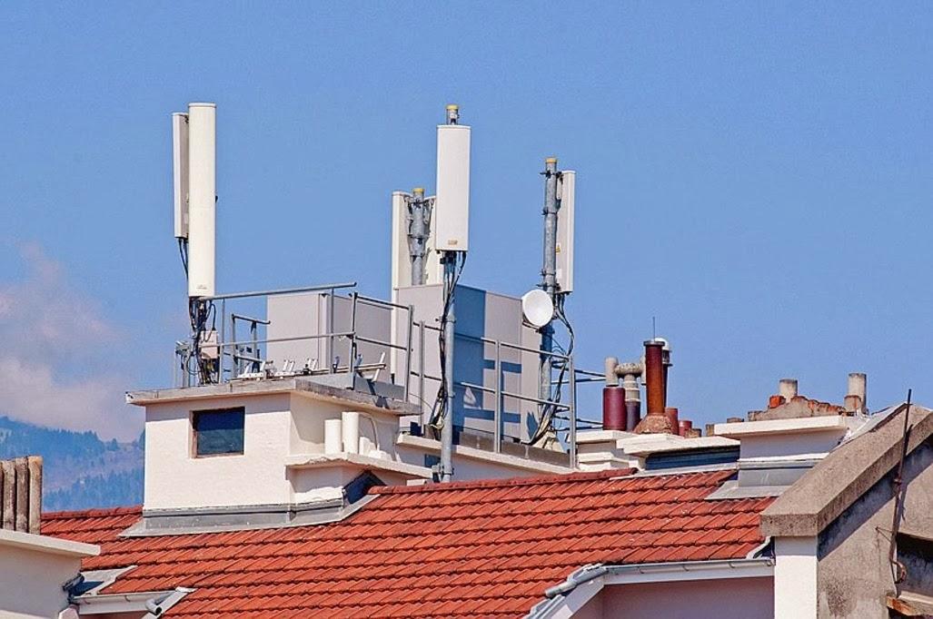 Environnement et energie les ondes du t l phone portable for Antenne relais wifi maison