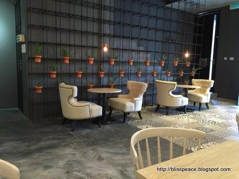 Kopicat cafe , Taman Molek, JB...
