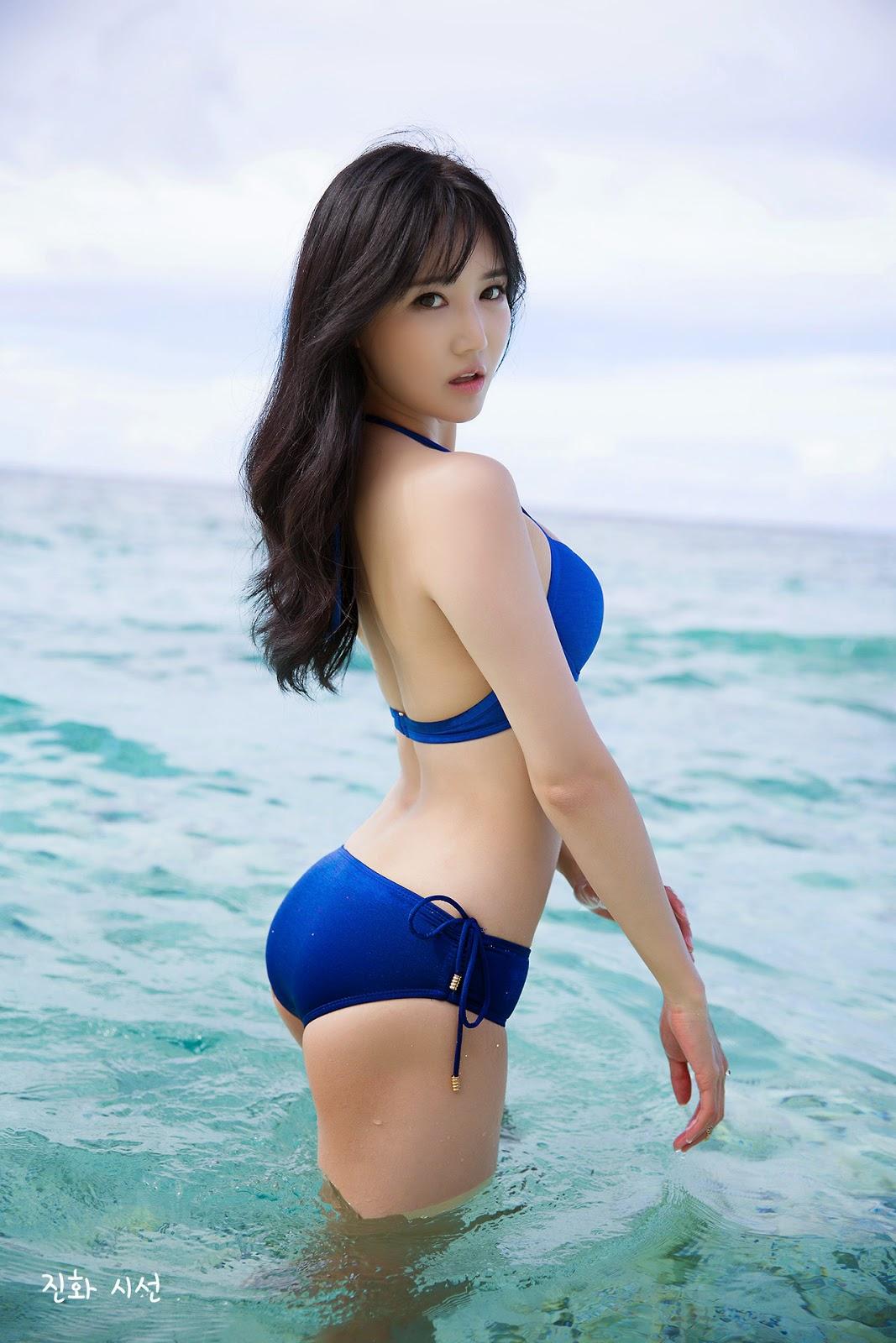 Han Ga Eun Sexy Beach Body