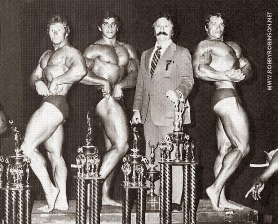 KEN WALLER, LOU FERRIGNO. JOE WEIDER AND ARNOLD SCHWARZENEGGER - MR. OLYMPIA 1973 ● www.robbyrobinson.net//master-class.php ●