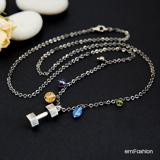 http://emifashion.pl/p2302,srebrny-hantelek-z-kamieniami-naturalnymi-bizuteria-sportowa.html