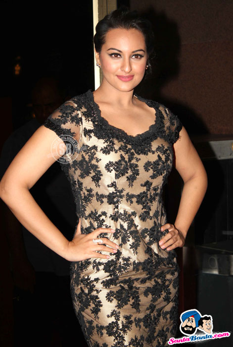 Sonakshi Sinha Looking Hot in tight dress - Sonakshi Sinha at Rowdy Rathore Success Bash
