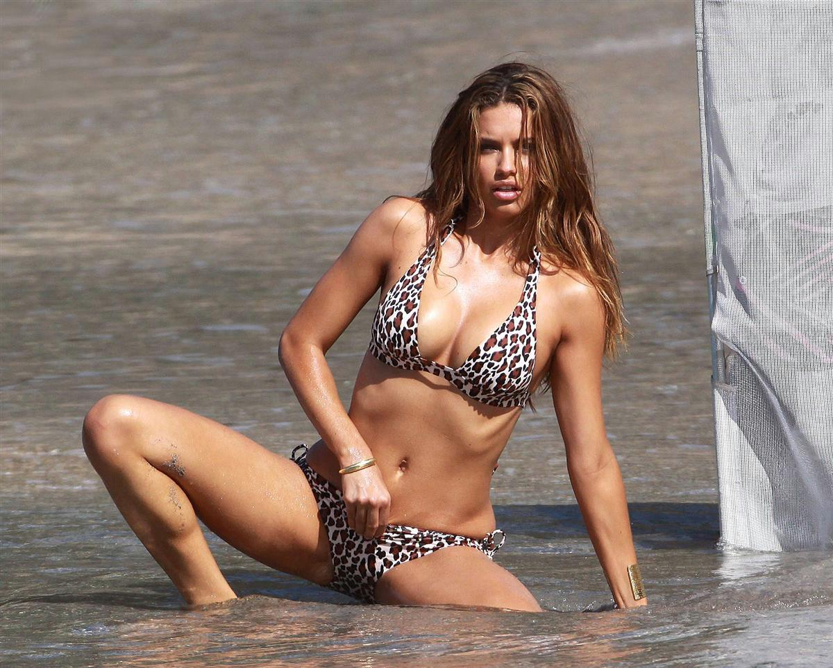 adriana lima's hottest photos | celebrity hot wallpapers and photos