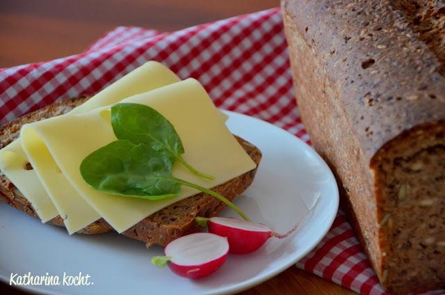 Vollkorn Brot Sauerteig Käsebrot Körnerbrot Saaten