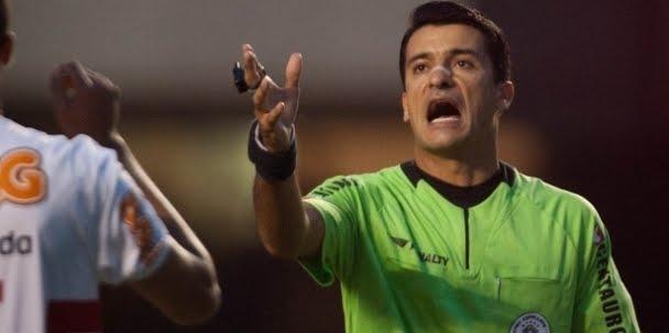 Sandro Meira Ricci para América x Porto