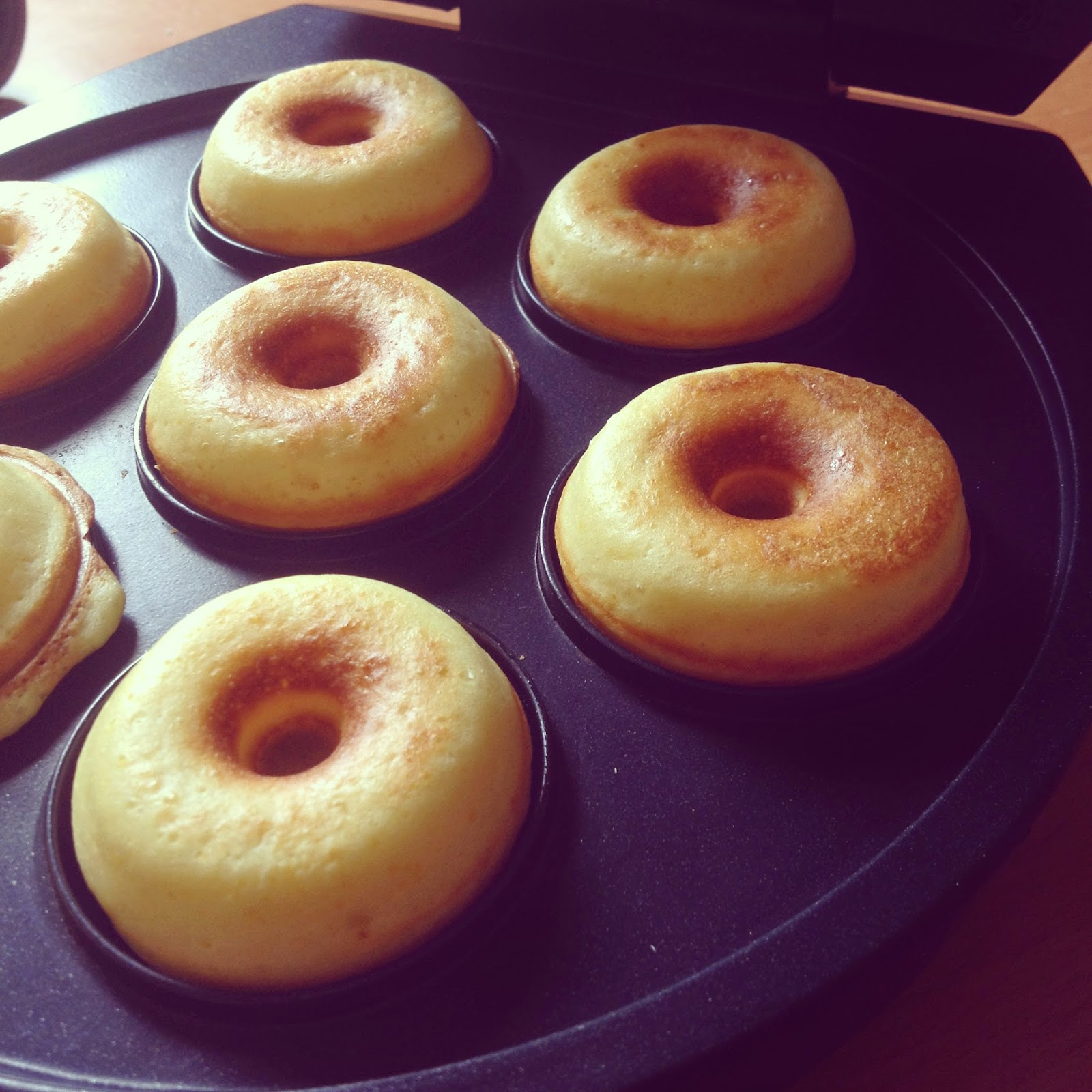 selma kitchen recette de donuts donuts en machine machine. Black Bedroom Furniture Sets. Home Design Ideas