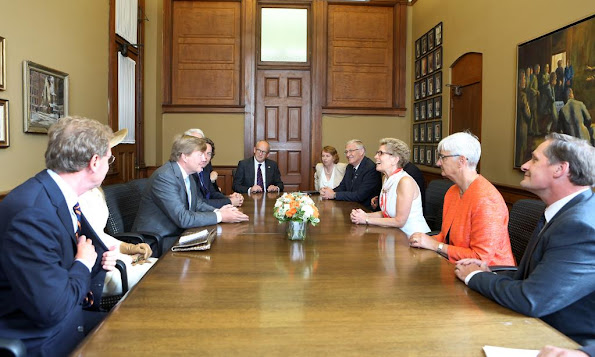 Kathleen Wynne It was an honour to speak with King Willem-Alexander and Queen Maxima