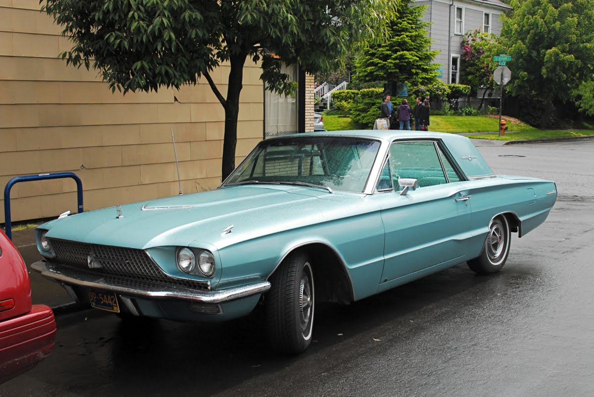 old parked cars 1966 ford thunderbird. Black Bedroom Furniture Sets. Home Design Ideas