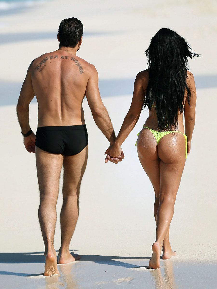 photoshoot suelyn medeiros in a bikini at bahamas 28 11 2012