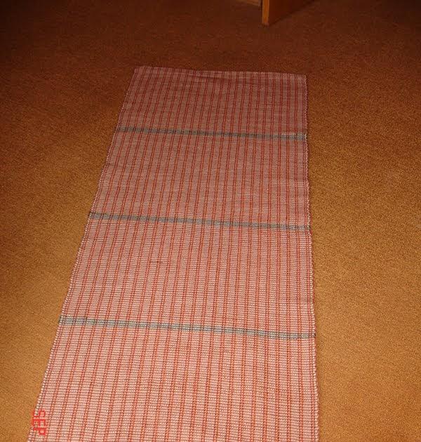cercle de fermi res de ripon petit tapis gris petit tapis rouge. Black Bedroom Furniture Sets. Home Design Ideas