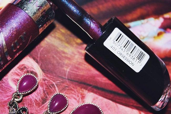 Rimmel Vinyl Max lip gloss (Obsession 401). Rimmel sjaj za usne. Rimmel lip gloss. Plumping lip glosses. Sjajevi za volumen usana.