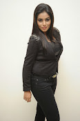 Actress Poorna latest photos-thumbnail-10
