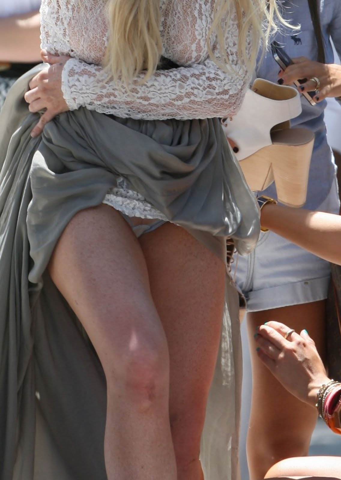 Upskirt on lohan nick lindsay