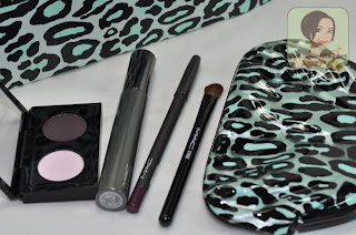 MAC Eye Look Bag Gift Set