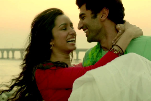 Movies Blog: Aashiqui 2 Photos, Songs, Trailer | Aditya Roy, Shraddha Kapoor
