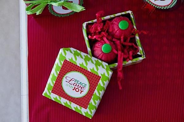 Download Dekorasi Clasik Natal 2 Untuk Rumah anda dengan Warna Merah