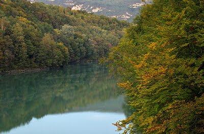 Photo of the Rhône valley in autumn
