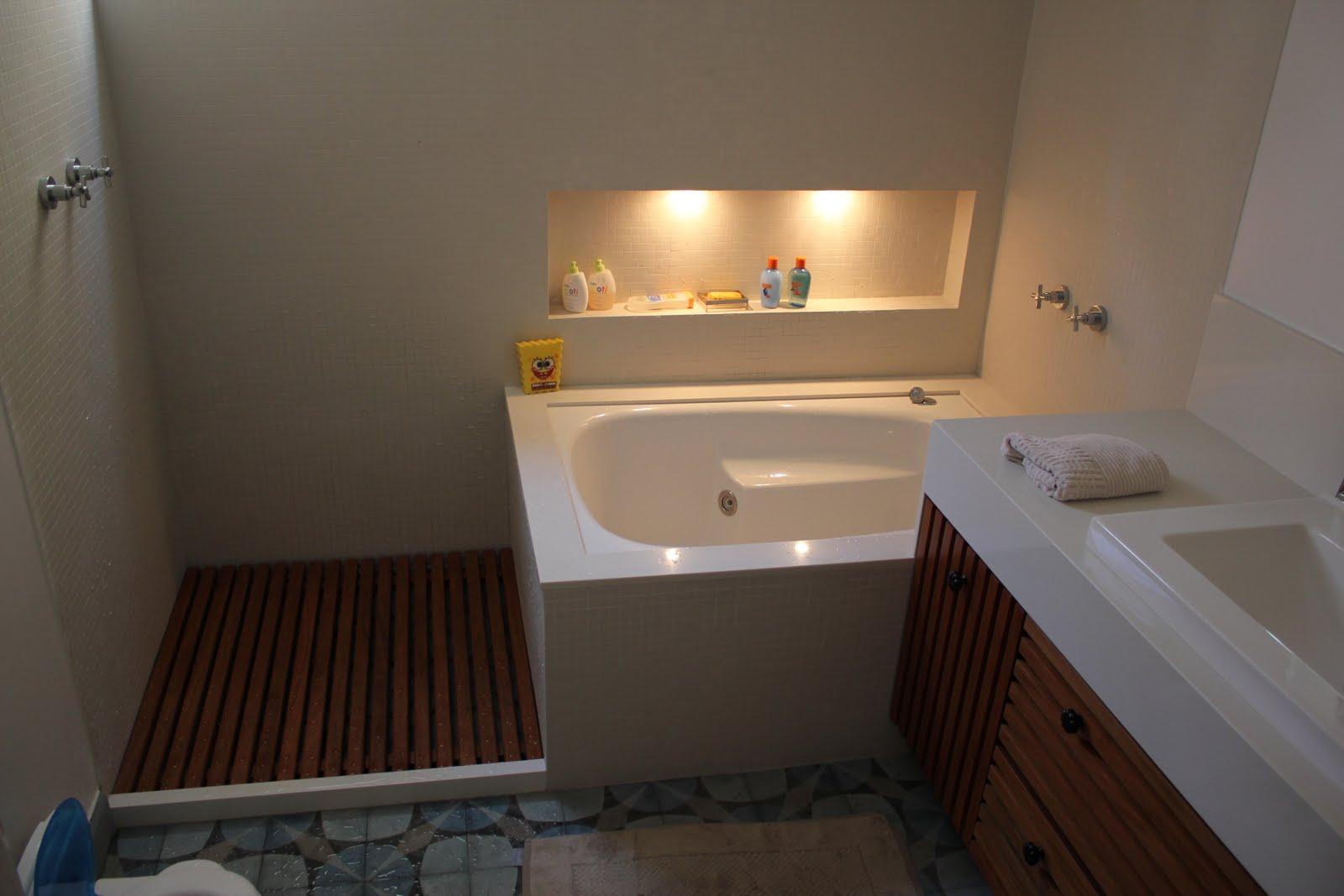 #A96C22 De Sion Marcenaria: Lindo banheiro em Madeira Maciça 1600x1067 px Banheiro Madeira 2833