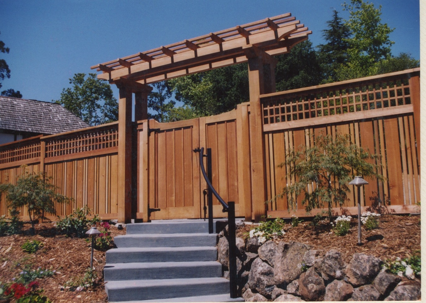 Macgregor construction japanese style entry gate for Japanese gates pictures