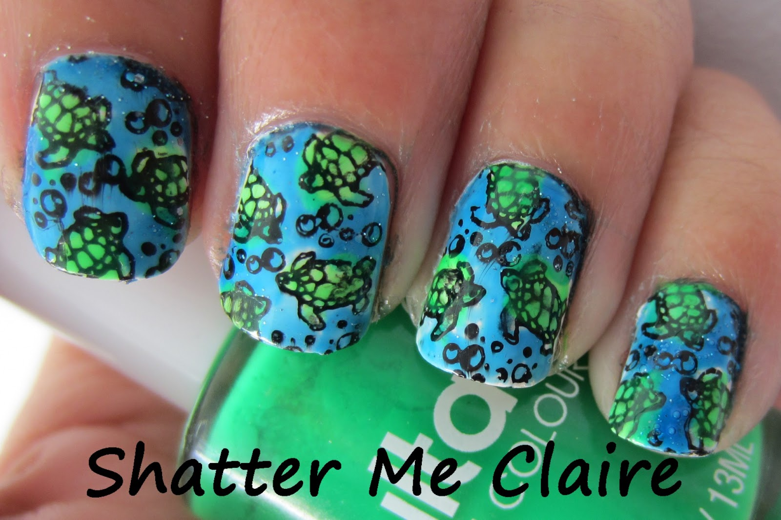 Shatter Me Claire Australia Day Nails Great Barrier Reef