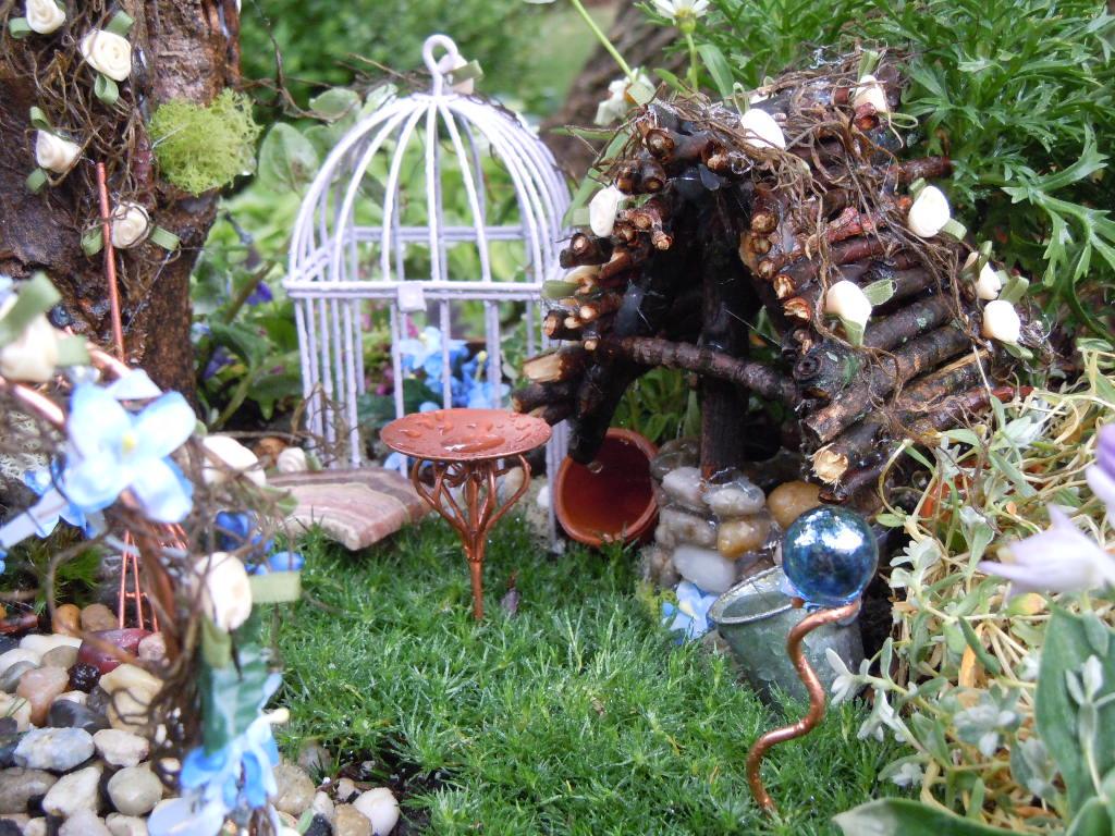 Blu 39 s boring blog fairy garden 2012 for Outdoor fairy doors australia