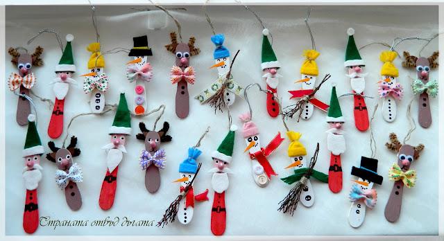 Personajes de Navidad caracterizados en palitos de helado