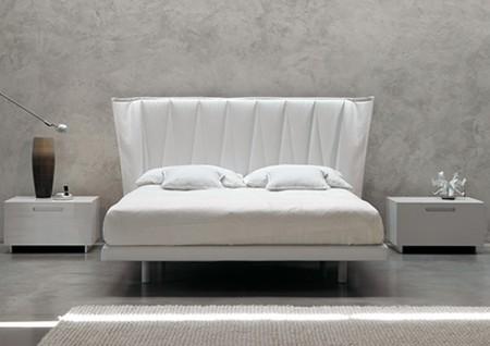 Desain Mewah Tempat Tidur Putih Dari MD House