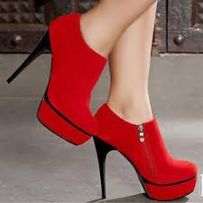 6 Bahaya Keseringan Pakai Sepatu Hak Tinggi Yang Wajib Anda Ketahui
