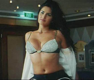 Bollywood actresses  and without clothes | DesiToob