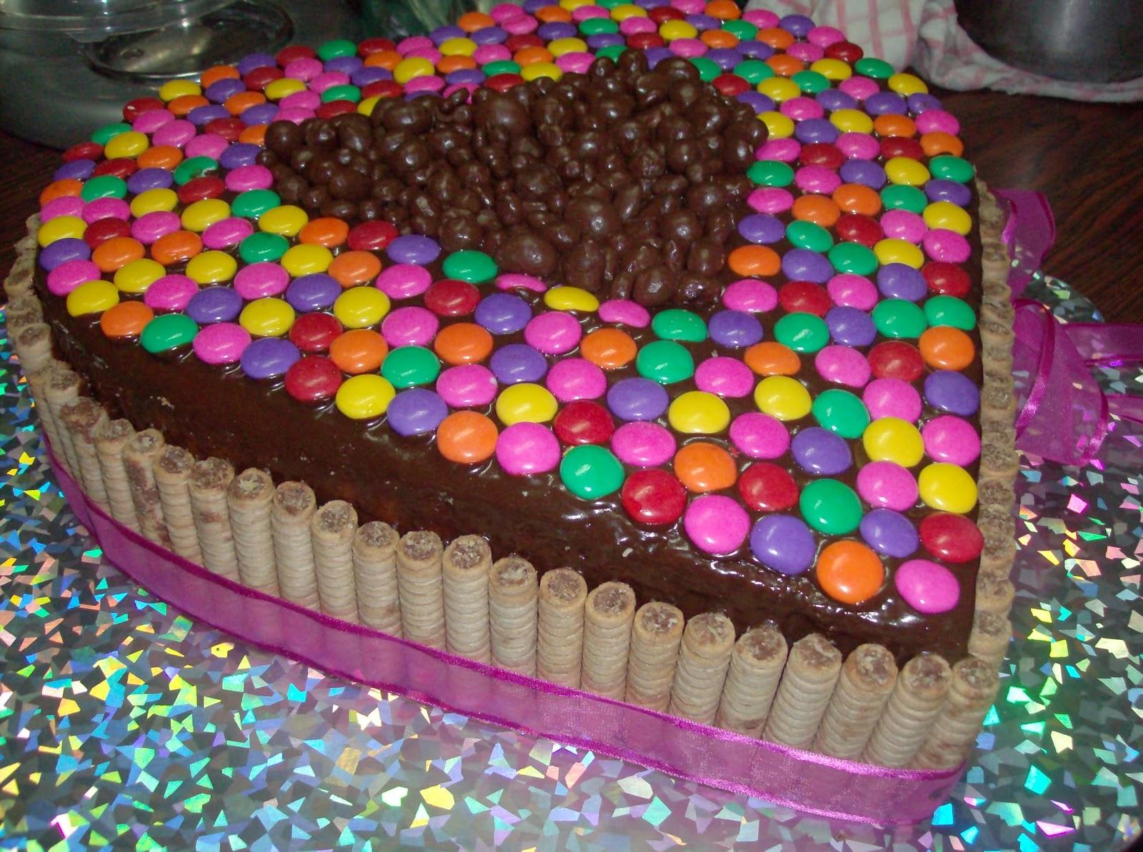 riquísima torta es un ponqué marmoleado de 1kg en forma de corazón