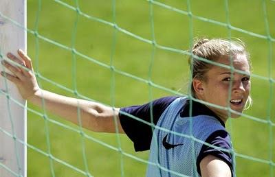 Amy%2BRodriguez 7 Pemain Sepakbola Wanita Tercantik Dan Tersexy