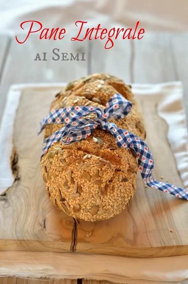 pane integrale ai semi con lievitazione naturale