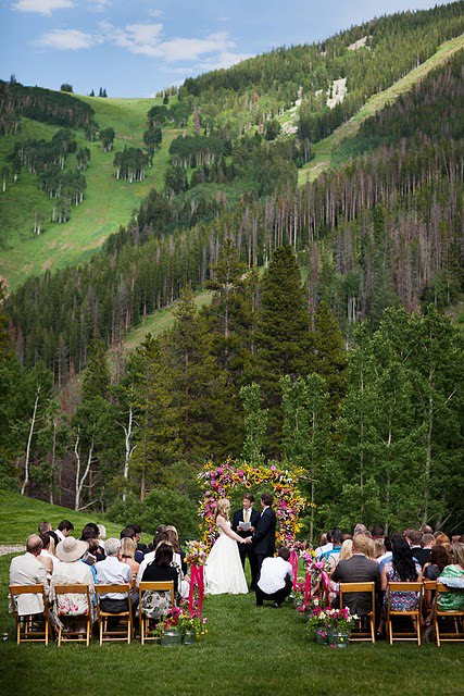 Bella fiori designs flowers for weddings in washington for Beano s cabin beaver creek