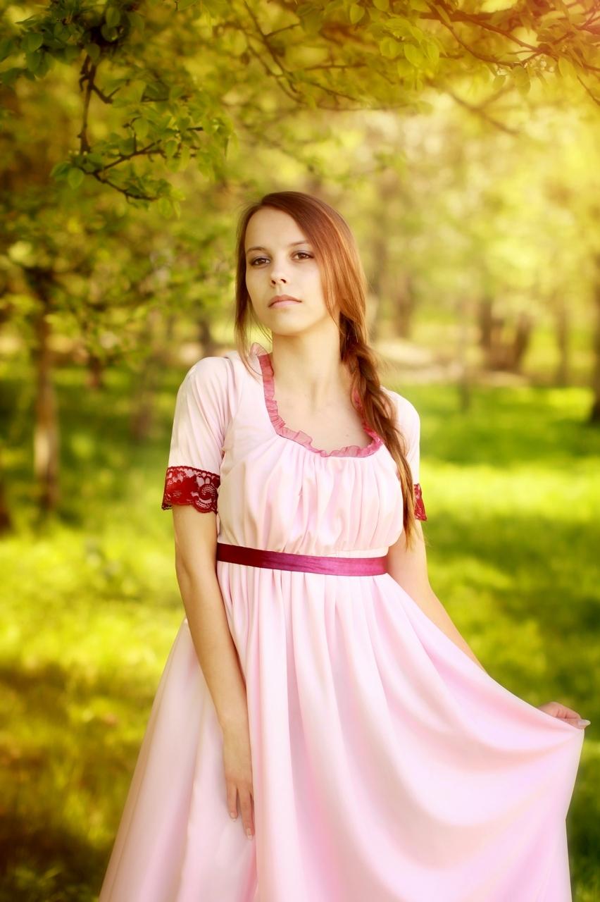 фотография девушки в винтажном платье
