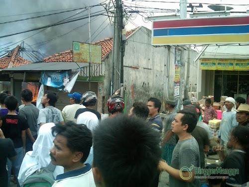 foto kebakaran pasar kertasemaya 9