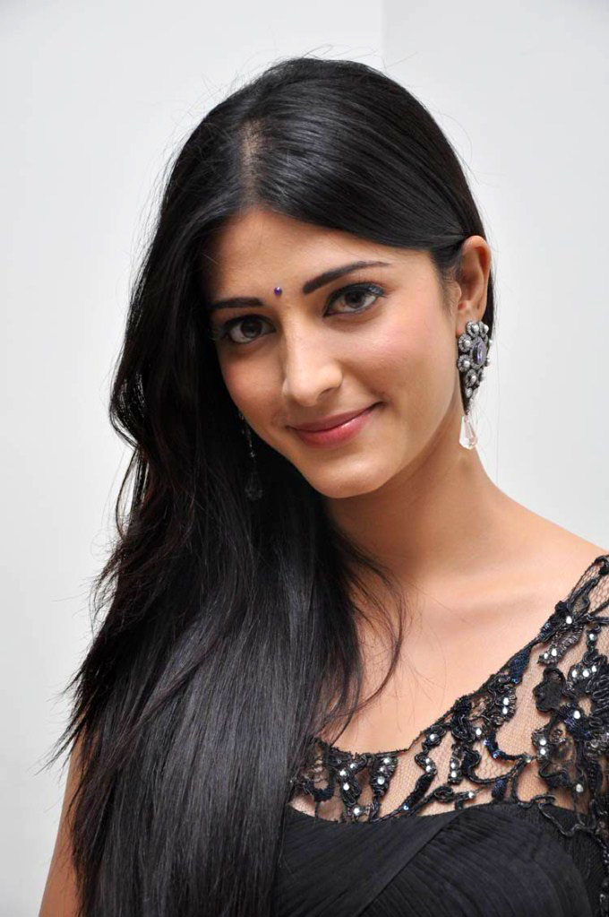Bollywood Actress Shruti Hassan Profile Biography And Latest Stills