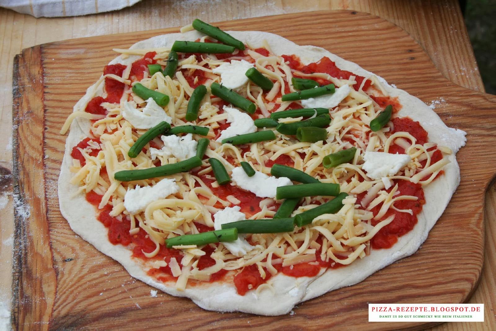 pizza gr ne bohnen mit speck pizza rezepte italienische pizza zu hause selber backen. Black Bedroom Furniture Sets. Home Design Ideas