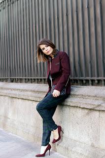 http://3.bp.blogspot.com/-gtudy8O5aM0/URAhPMusYbI/AAAAAAAAMnU/raj9I8eCOao/s1600/Checked_Trousers-Burgundy_Jacket-Outfit-Street_Style-.jpg