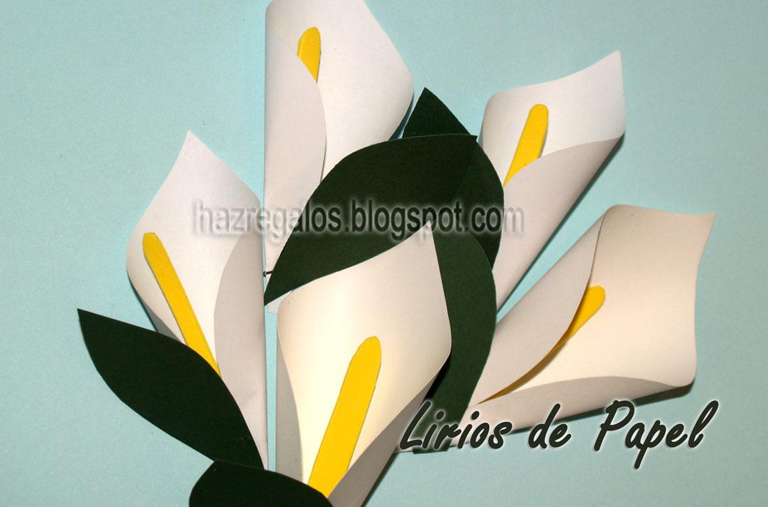 Flores de lirio de papel