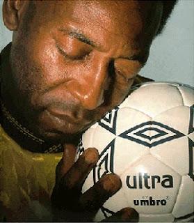 Rei do futebol é negro