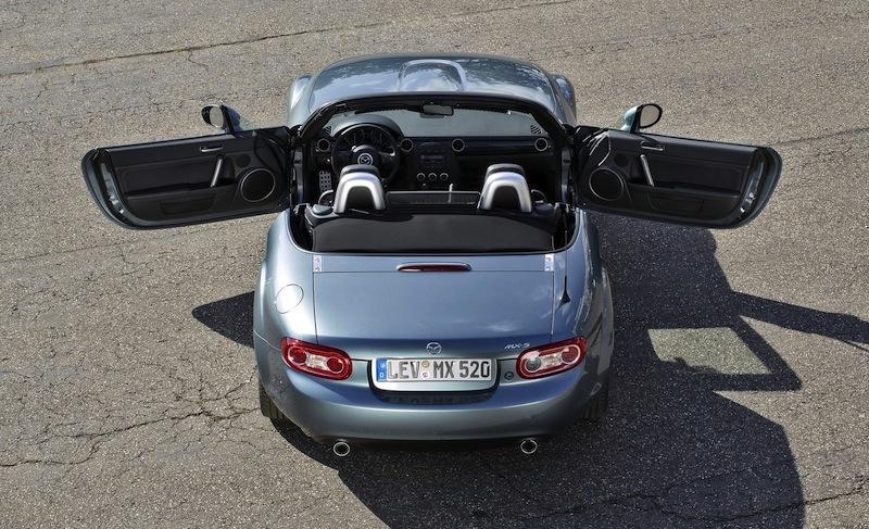 マツダ新型の「RX7」が復活