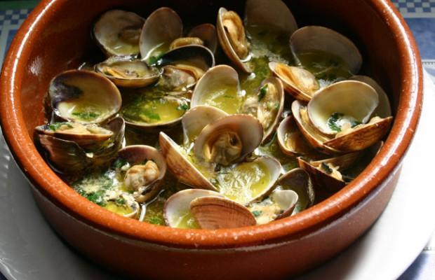 Taller de vivencias almejas en salsa verde - Salsa verde para almejas ...