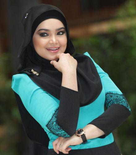 Siti Nurhaliza sedang bercuti panjang sehingga penghujung Mac.